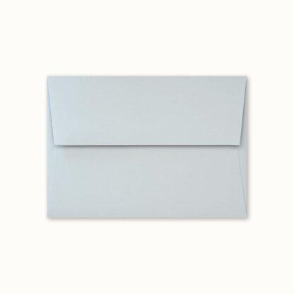 Hellblaues Couvert für kleine Karten