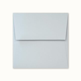 Hellblaues Couvert für quadratische Karten