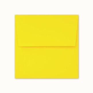 Gelbes Couvert für quadratische Karten